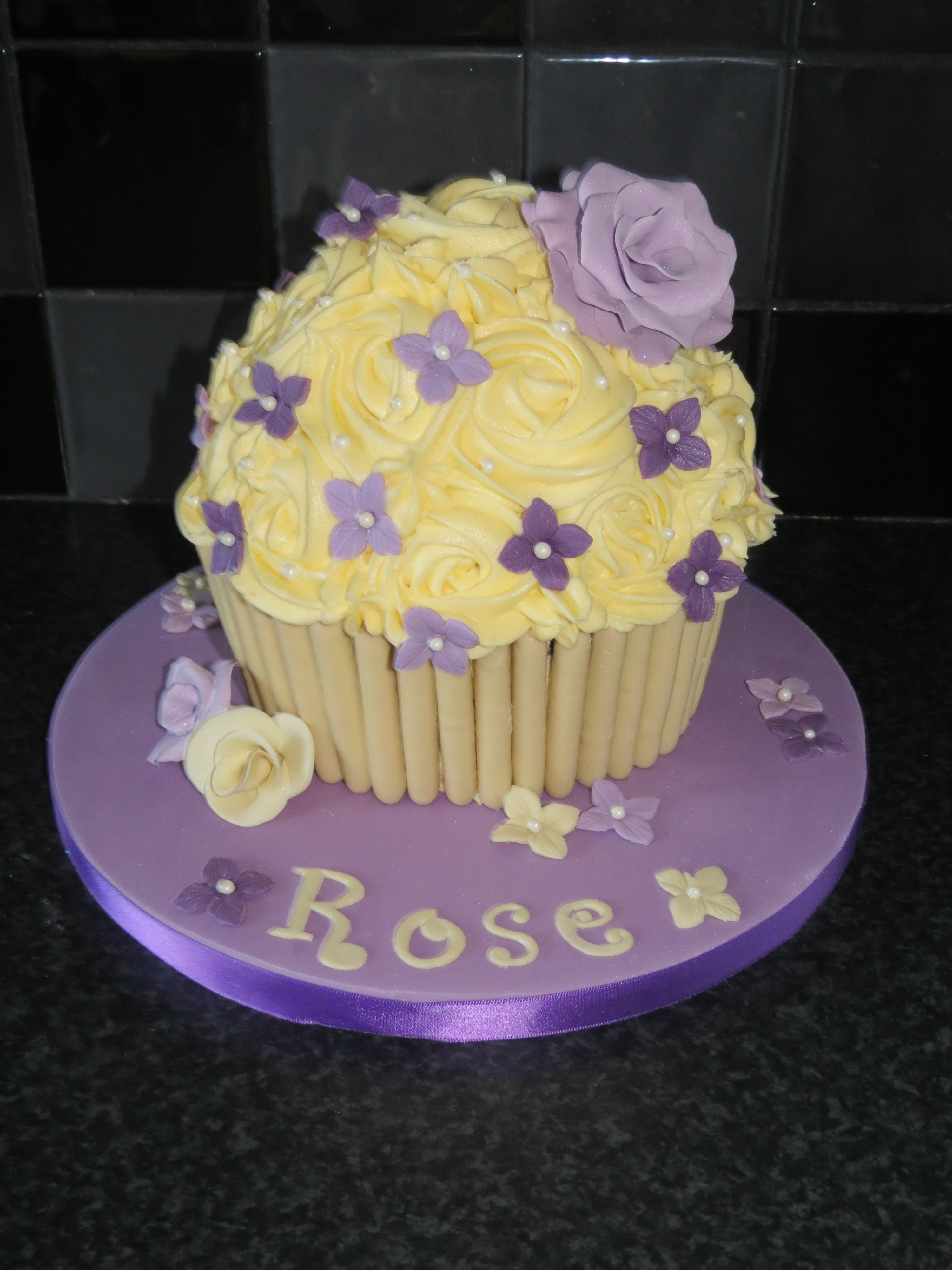Giant Cupcakes Hartlepool - Truly Scrumptious Cakes